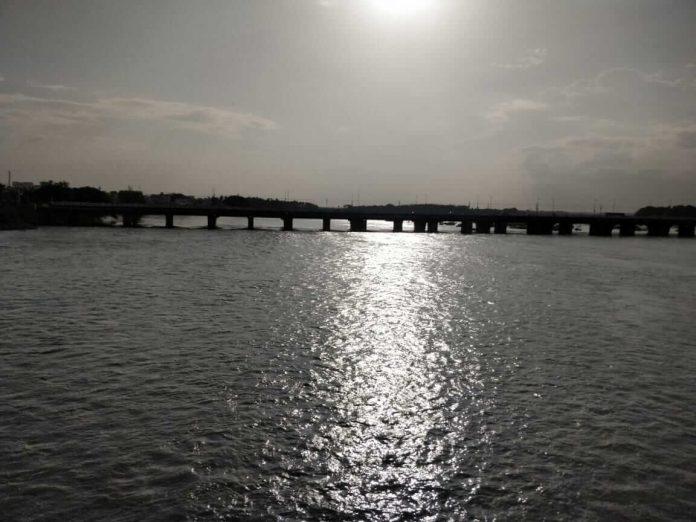 ஸ்ரீ ரங்கம் அருகில் காவிரி ஆறு
