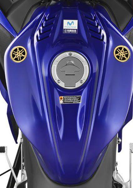 xyamaha r15 movistar edition fuel tank 1534408856.jpg.pagespeed.ic .vTnQJh k2W e1534420364958