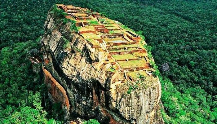 Sigiriya-rock-fortress-in-Sri-Lanka