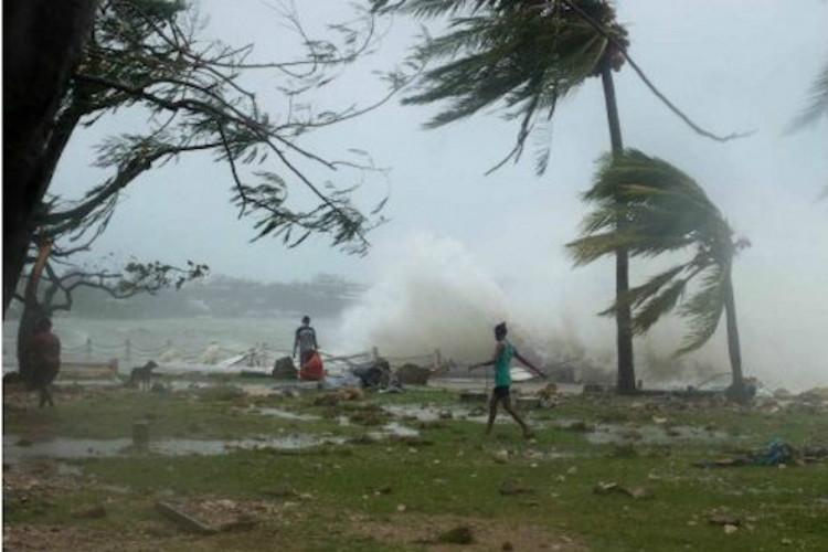 cyclone ockhi twitter skymet