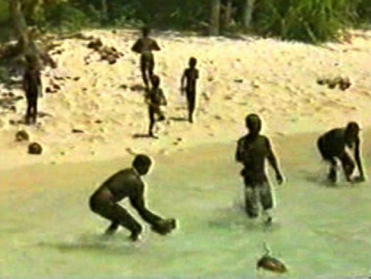 sentinelese-tribe-sentinel-island