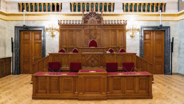 budapest-parliament-building-interior-2
