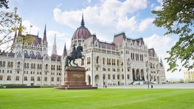 hungarys-parliament-building---francis-ii-rkczi