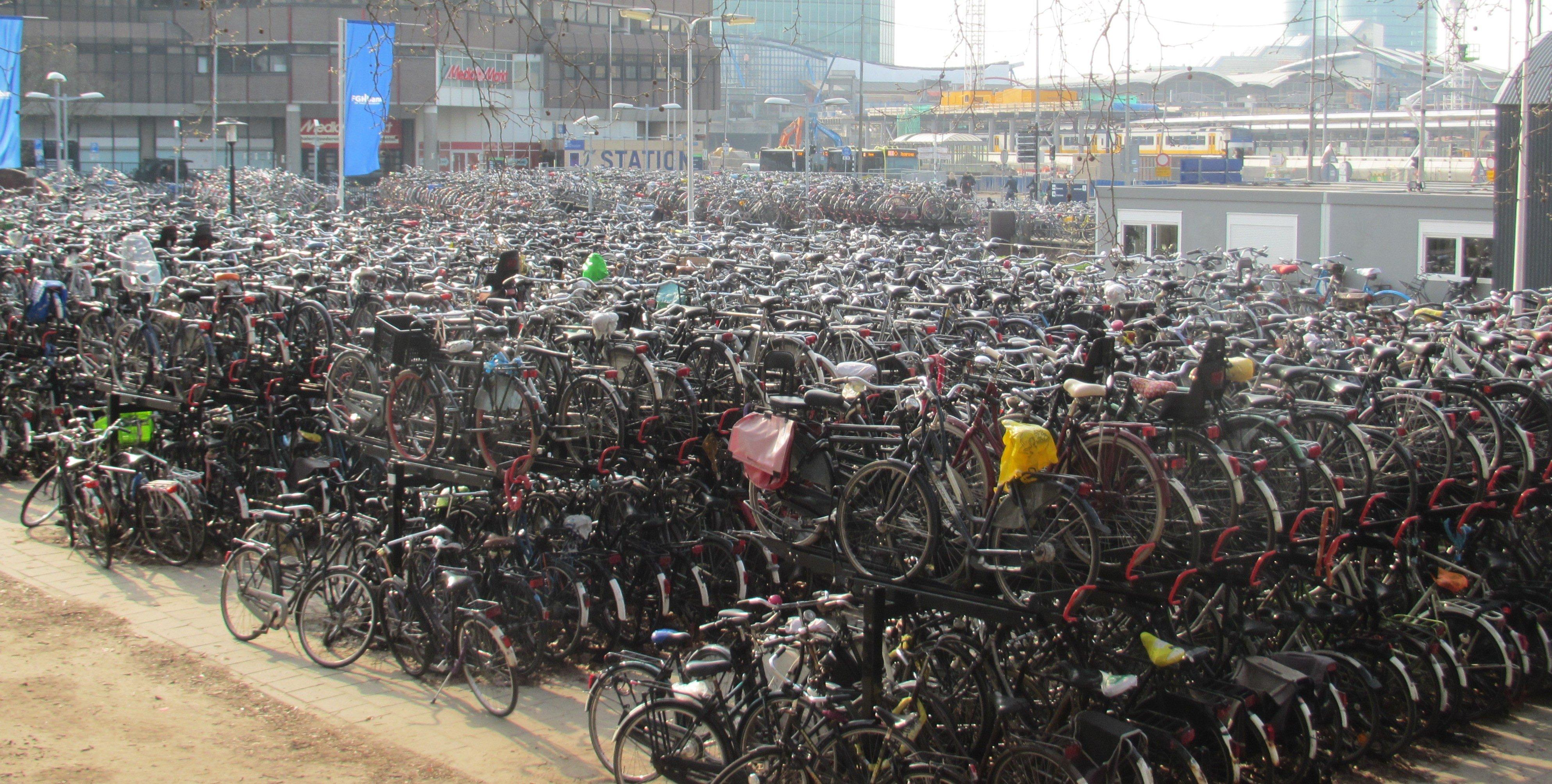 many-bikes