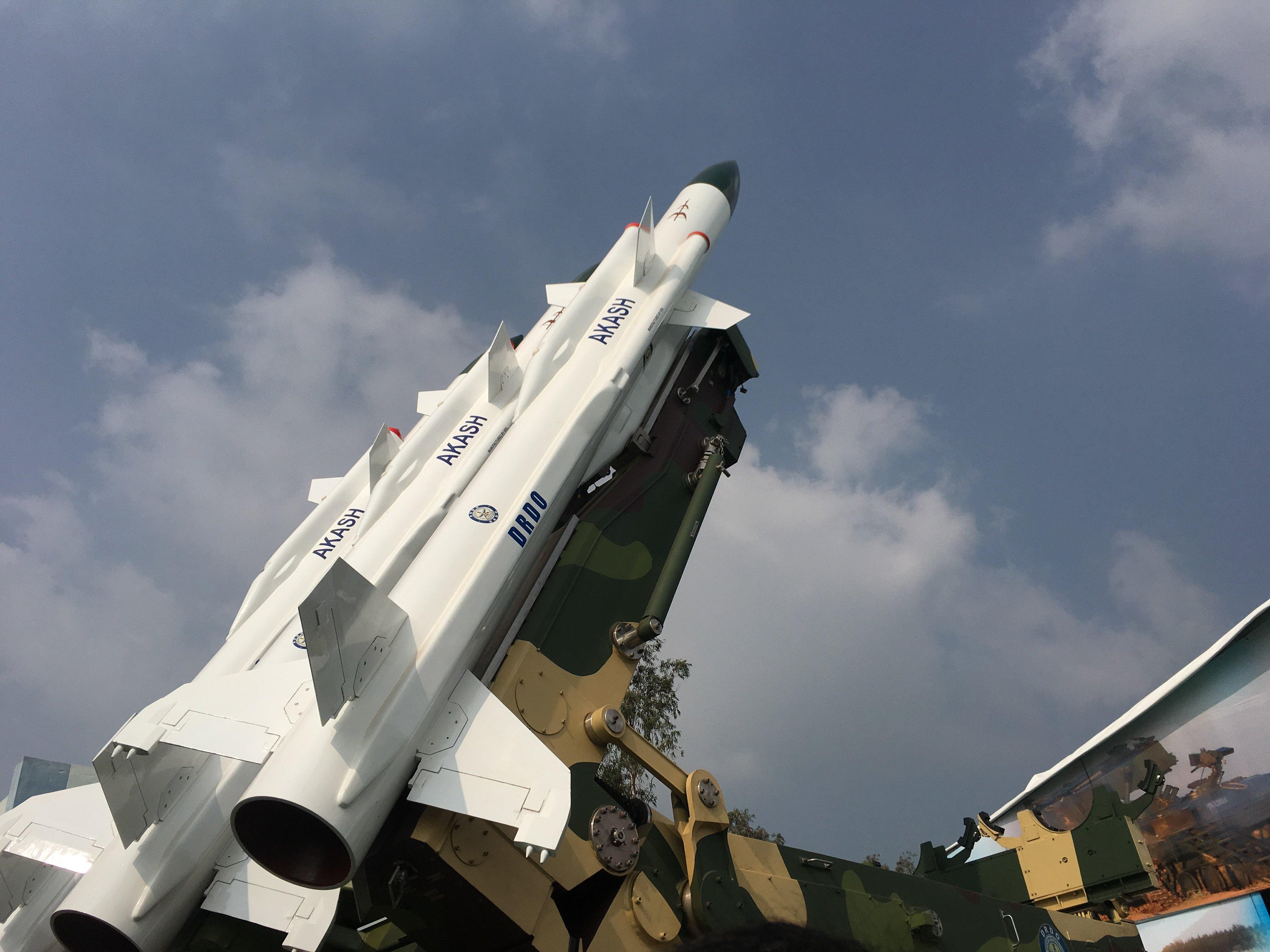 Akash_SAM_Missile_at_Defence_Expo