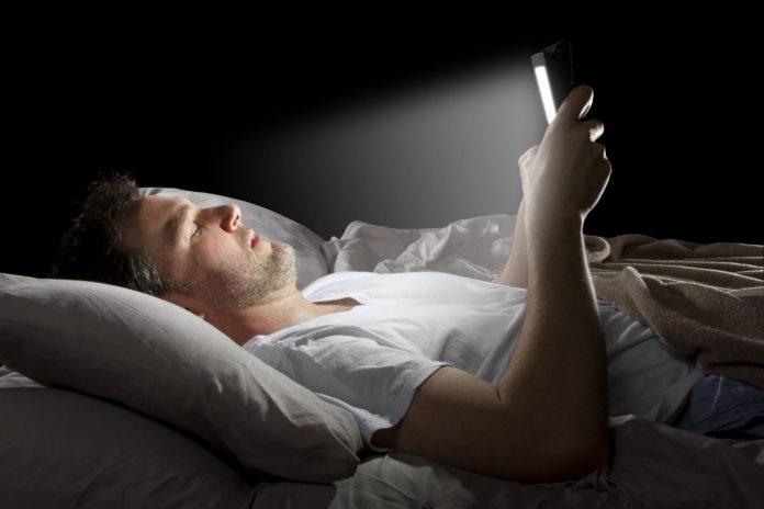 Night mobile usage
