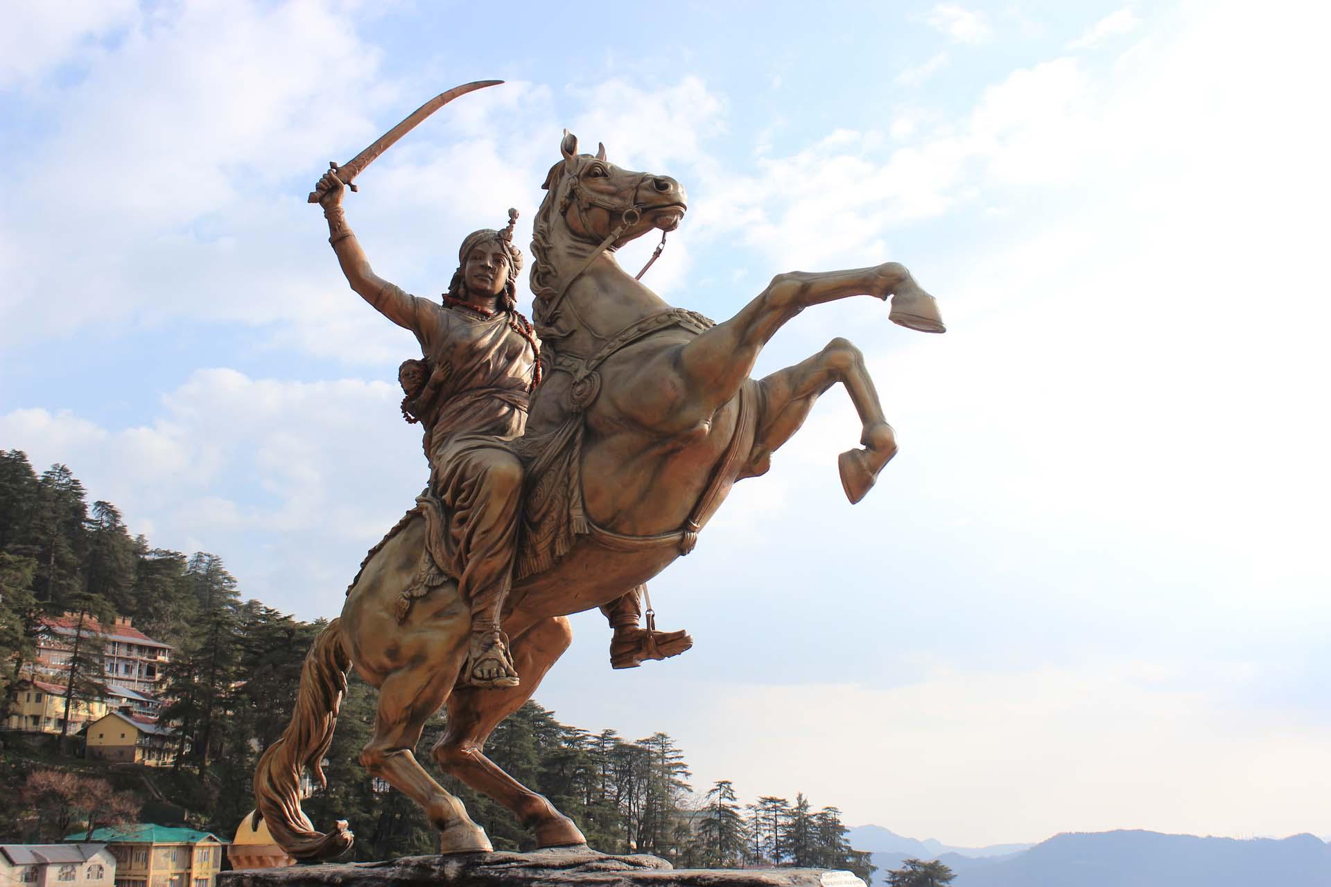 Rani lakmibai bai Statue