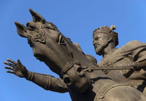 timur statue