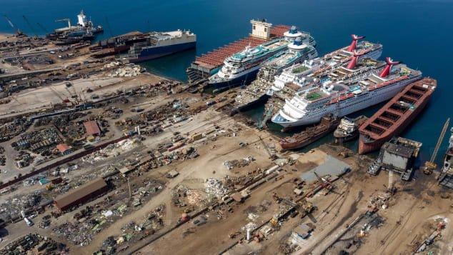 Cruise ships corona005